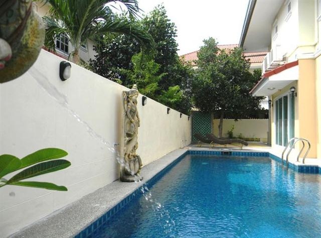 Villa with pool close to beach - House - Jomtien -