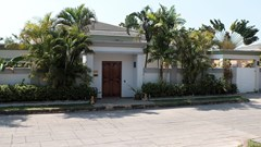 pool-villa-for-sale-in-pattaya-a
