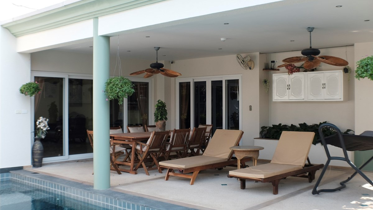 pool-villa-for-sale-in-pattaya-c